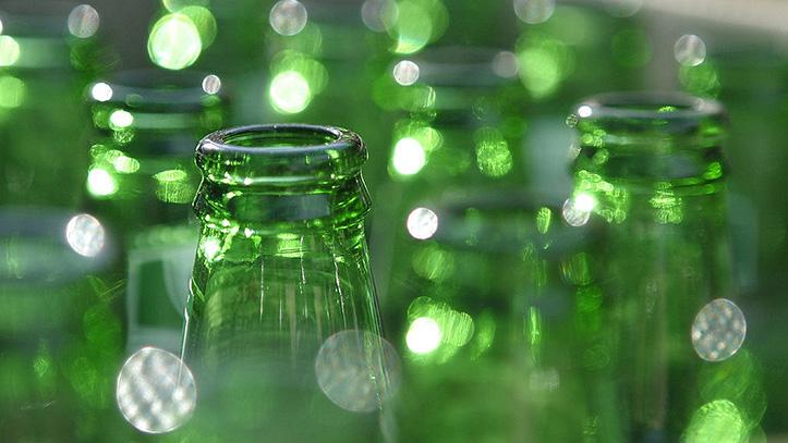Фото бутылок из зеленого стекла